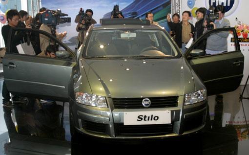久违了的Fiat性能车款,Fiat Stilo Abarth的上市,势必将勾起许...