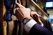 飛躍明月 禮獻中秋 亨利慕時冒險者小秒針腕錶