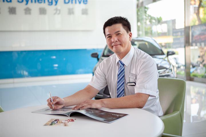 嘉南地區最年輕銷售經理─Toyota 南都汽車 藍崇源